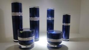 Qf-021 Attractive Design Plastic Round Bottle Cismetic Acrylic Bottle pictures & photos