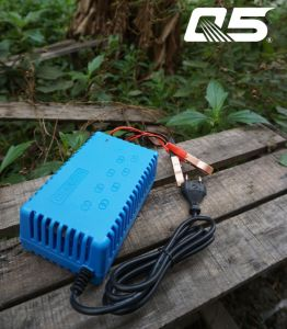 12V4A Automatic Trickle Lead acid battery Charger Storage Battery Charger motorcycle battery charger deep cycle battery charger lifeline batteries pictures & photos