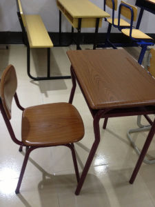High Quality Moulded Board School Desk and Chair (SF-86S) pictures & photos