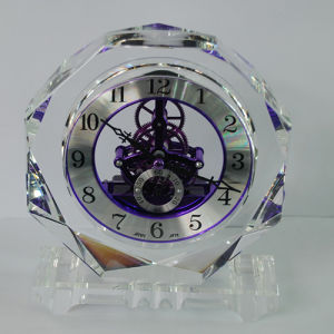 Octagonal Crystal Handicrafts Quartz Clock in Silver pictures & photos