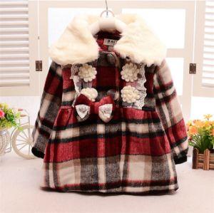 C12812 Girls Wollen Big Lapels Lace Plaid Coat 2~5y pictures & photos