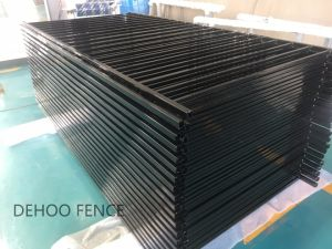 Classical Gloss Black Powder Coated Full Welded Flat Top (2 Rails) Garden Fence pictures & photos