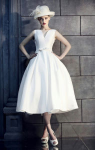 2017 Bateau Vintage Fitted Waist Lace Tea-Length Wedding Dress (Dream-100067) pictures & photos