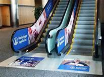 Large Format Vinyl Floor Advertising Graphics Decals Printing Floor Stickers pictures & photos