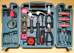 56PCS Professional Household Tool Kit (FY1056B1) pictures & photos