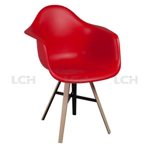 Wholesale Modern Designer Eames Dining Plastic Chair pictures & photos
