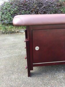 Stationary Wooden Massage Tables with Cabinet pictures & photos