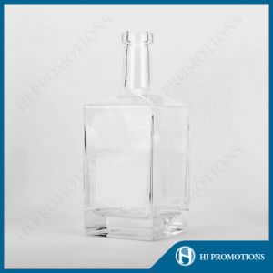 700ml Liquor Glass Bottle for Rum (HJ-GYSN-A04) pictures & photos