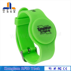 Waterproof Various Chips Silicone RFID Wristband for Hospital Patient Identification pictures & photos