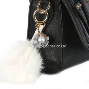 Faux Fur Pompom Bag Accessory Key Chain Fabric Flower Charm Pearl Keychains Jewelry pictures & photos