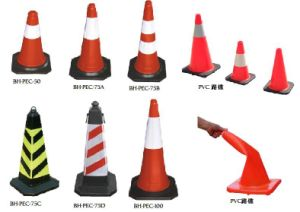 Hight Quality Plastic Traffic Safety Road Barrier with Reflective pictures & photos