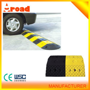 Maintenance Friendly Rubber Speed Hump Speed Breaker Roadway Safety pictures & photos
