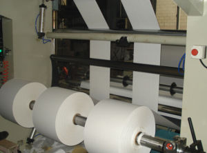 Automatic Slitting and Rewinding Machine (QFJ1100-2800C) pictures & photos