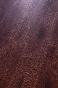 Oak Laminated Floor HDF Embossed-in-Register (EIR) pictures & photos