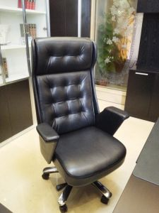 Antique Luxury Swivel Ergonomic Genuine Leather Executive Boss Chair pictures & photos
