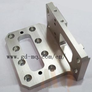 Precision Milling Parts 5 Axis CNC Mill (MQ2020) pictures & photos