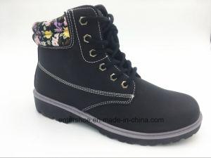Middle Cut Lace up Canvas Women Winter Shoes (ET-XK160272W) pictures & photos