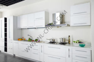 N&L Kitchen Cabinet Supplier Modern Home Furniture Wood Kitchen Cabinets with MFC Board pictures & photos