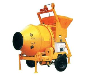 Diesel Engine Concrete Mixer Two-Wheels 260L/350L pictures & photos