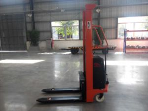 Niuli New Brand Power Electric Stacker pictures & photos