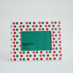 New En71 ASTM Standard Wooden Photo Frame for Christmas with Dots Design pictures & photos