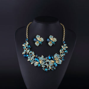 Flower Ivne Sopphire Rhinestone and Crystal Necklace Set pictures & photos
