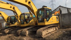 Used Komatsu Cralwer Excavators Komatsu PC200-7 for Sale pictures & photos