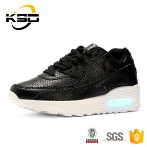 2016 Boy and Girl Flashing LED Shoes Fashion Factory Direct Wholesale in China pictures & photos