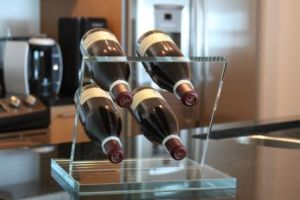 Personalized Wine Holder for Home or Bar Decoration pictures & photos