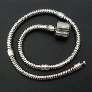 European Three Clasps Bracelet Chain pictures & photos