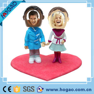 Customized Polyresin Couple Bobble Head for Wedding pictures & photos
