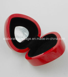 Red Heart-Shaped Wood Jewelry Gift Packing Box pictures & photos