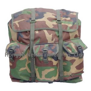 Cool Camouflage Sport Waterproof Military Tactical Backpack (HY-B069) pictures & photos