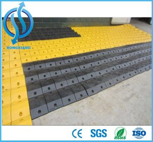 High Quality Roadway Traffic Safety Rubber Speed Bump pictures & photos