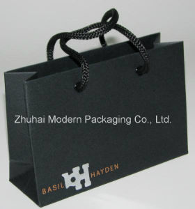 High Quality Art Paper Customized Design Paper Bag Logo Stamping pictures & photos