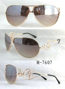 Hot High Quality Fashion Metal Sunglasses with UV400 CE Polarized