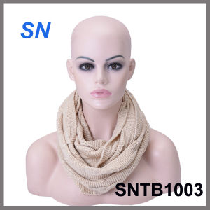 Latest Winter Fashion Acrylic Knitted Infinity Scarf pictures & photos