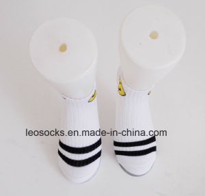 2016 Fashion Hot Sale Black and White Design Kids Socks Wholesale pictures & photos