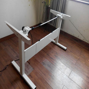 High Quality Height Adjustment Electric Desk Lifting pictures & photos