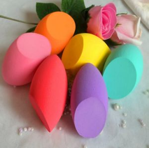 Non-Latex Makeup Sponge/Cute Powder Puff pictures & photos