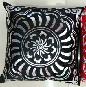 Metallic/Flock Printed Decorative Pillow Metallic Print Cushion (XPL-47) pictures & photos