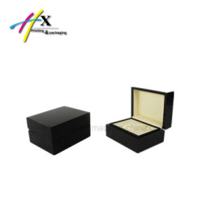 Luxury High-End Wooden Piano Lacquered Watch Box pictures & photos