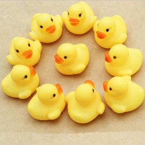 Popular Cute Little Yellow Bath Duck Plastic Vinyl Toy pictures & photos