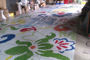 Flower Pattern Glass Mosaic Pattern Wall Tile (HMP815) pictures & photos
