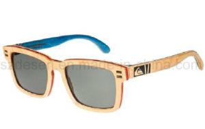 Promotional Custom Logo Polarized Bamboo Wooden Sunglasses pictures & photos