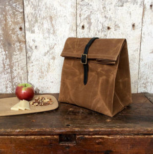 Custom Waterproof Waxed Canvas Lunch Bag with Leather Strap pictures & photos