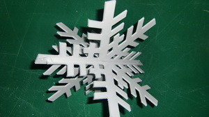 CNC Trimmed Plastic Snowflake for Merry Christmas