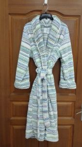 "Ladies′ 48"" Robe in Stripe Print Powder Puff Pattern Jacquard Plush"
