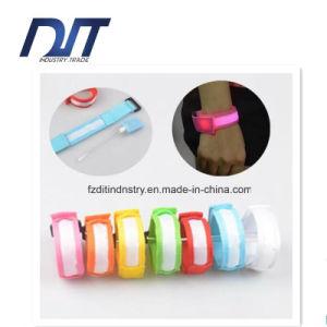 Color Flash Wrist Bracelet LED Night Run Parkour Hip-Hop pictures & photos
