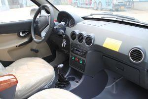 3 Wheeler Tuk Tuk Closed Passenger Car Tricycles HD250-Z1 pictures & photos